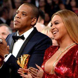 Jay Z y Beyoncé muy felices en los Premios Grammy 2017