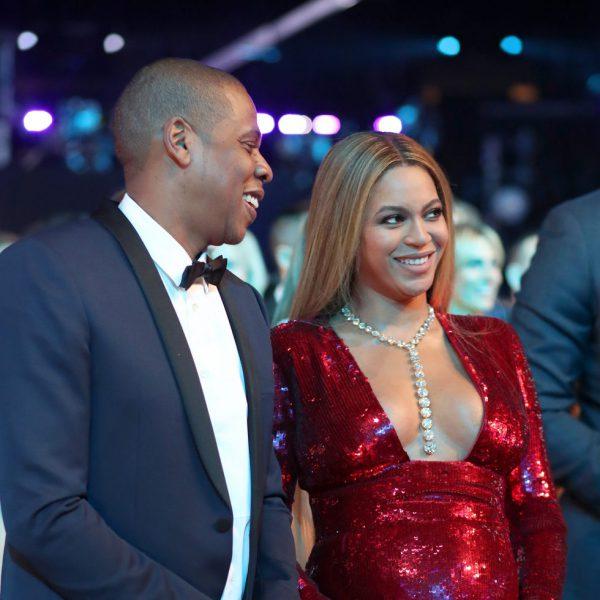 Beyoncé luciendo embarazo en los Premios Grammy 2017