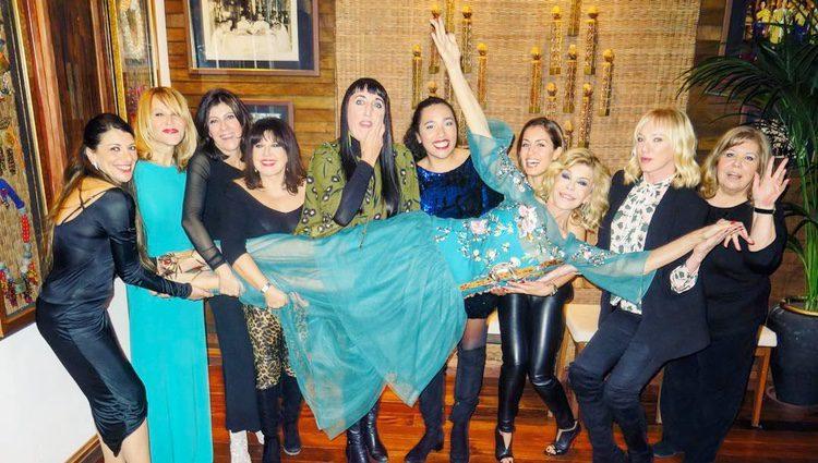 Bibiana Fernández celebrando su 63 cumpleaños con Rossy de Palma, Loles León, Hiba Abouk y Topacio Fresh