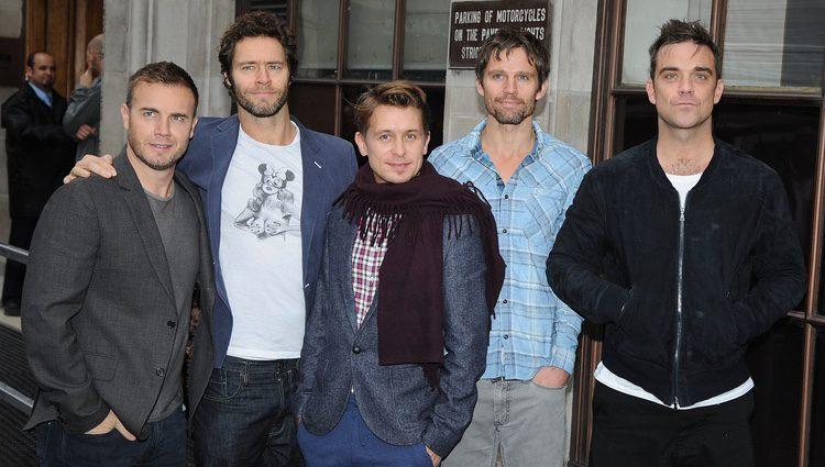 El grupo Take That en su visita a la cadena Radio 1 en 2010