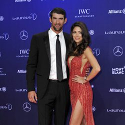 Michael Phelps y Nicole Johnson en los Premios Laureus 2017