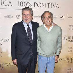 Íñigo Méndez de Vigo y Paco Arango en la Premiere de 'Lo que de verdad importa'