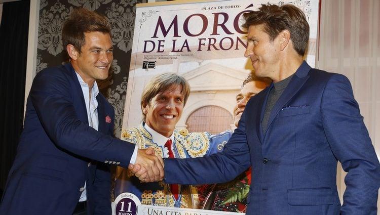 Cruce de miradas en la presentación de una feria taurina entre Julio Benítez y Manuel Díaz
