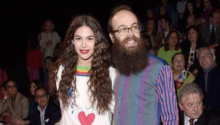 Cósima y Tristán Ramírez en el front row del desfile de Ágatha Ruiz de la Prada en Madrid Fashion Week otoño/invierno 2017/2018