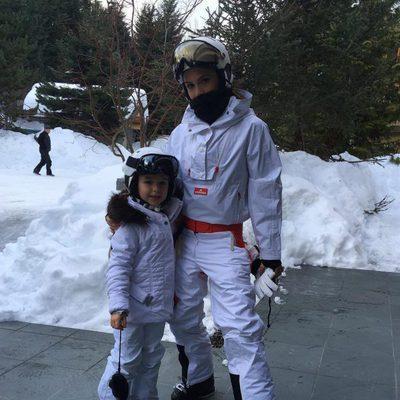 Victoria Beckham disfrutando de la nieve junto a su hija Harper Seven Beckham