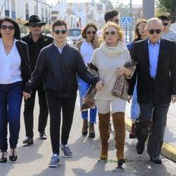 Los miembros de la familia de Rocío Jurado acuden a un homenaje en Chipiona