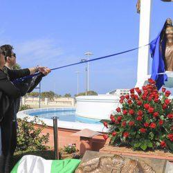 Rocío y David Flores descubren la estatua de Rocío Jurado en el homenaje