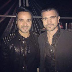 Luis Fonsi y Juanes en el concierto homenaje a Juan Gabriel