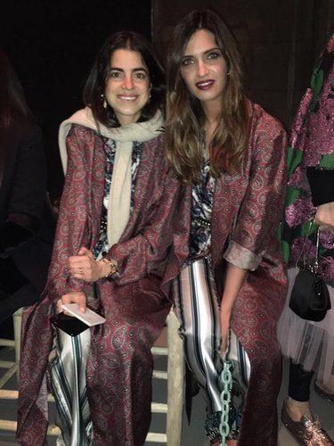 Sara Carbonero y Leandra Medine (The Man Repeller) coinciden en el look en London Fashion Week 2017/2018
