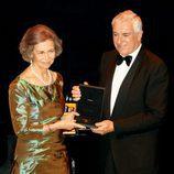 La Reina Sofía recibe la Medalla de Oro del Círculo del Liceo