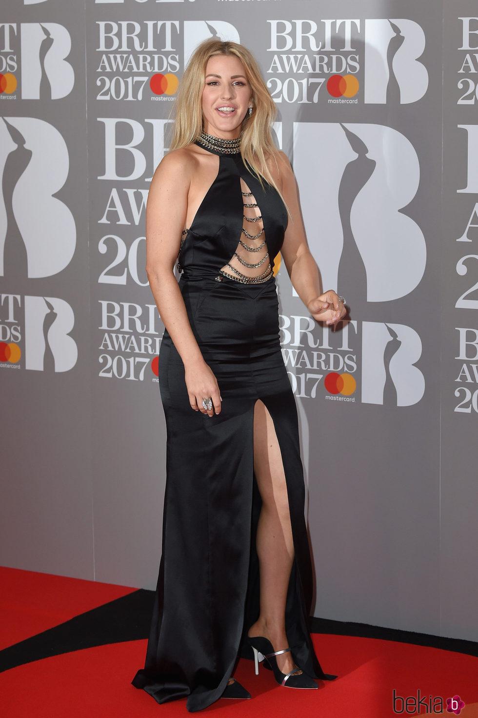 Ellie Goulding en la alfombra roja de los Brit Awards 2017