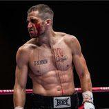 Jake Gyllenhaal con el torso desnudo en una escena de 'Rendición'