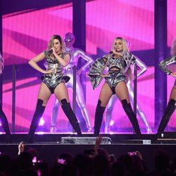 El grupo Little Mix actuando en la entrega de Premios Brit 2017