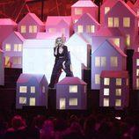 Katy Perry durante su actuación en los Brit Awards 2017