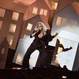Katy Perry actuando en los Brit Awards 2017