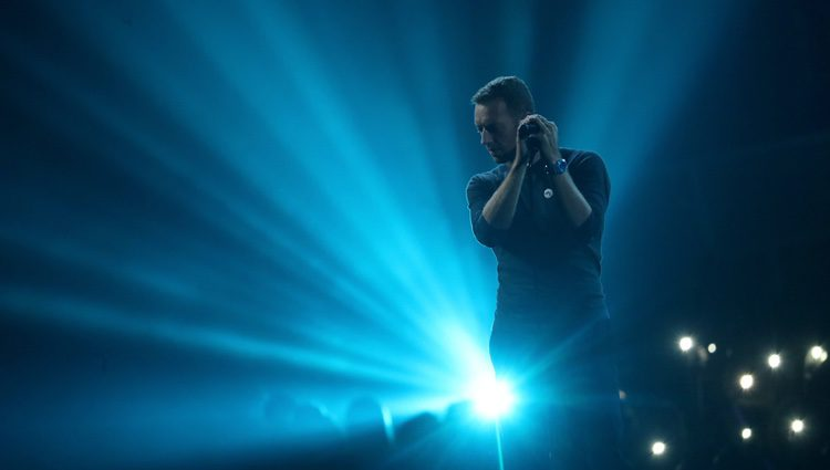 Chris Martin rinde homenaje a George Michael en los Brit Awards 2017