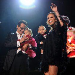 Jennifer Lopez y Marc Anthony con sus hijos Max y Emme