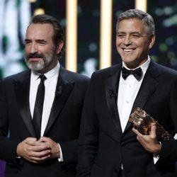 George Clooney recibe el Cesar de Honor de la mano de Jean Dujardin