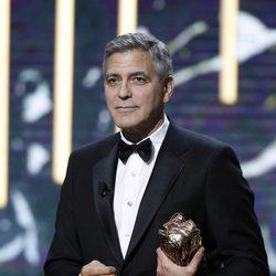 George Clooney recibiendo el Premio César de Honor 2017