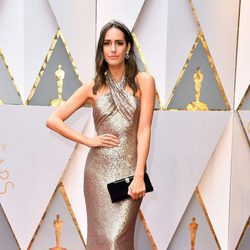 Louise Roe en la alfombra roja de los Premios Oscar 2017