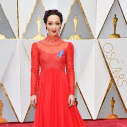 Ruth Negga en la alfombra roja de los Premios Oscar 2017