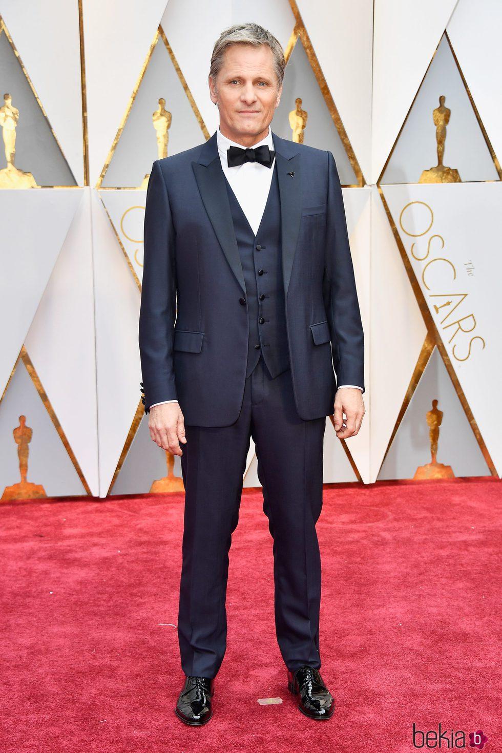 Viggo Mortensen en la alfombra roja de los Premios Oscar 2017