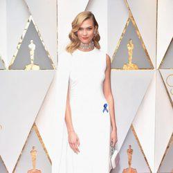 Karlie Kloss en la alfombra roja de los Premios Oscar 2017