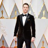 Josh Dallas en la alfombra roja de los Premios Oscar 2017