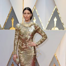 Jessica Biel en la alfombra roja de los Premios Oscar 2017