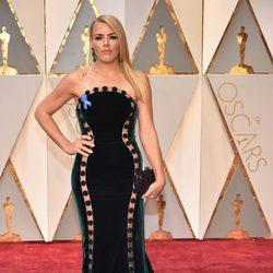 Busy Philipps en la alfombra roja de los Premios Oscar 2017