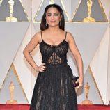 Salma Hayek en la alfombra roja de los Premios Oscar 2017