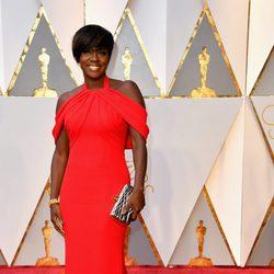Viola Davis en la alfombra roja de los Premios Oscar 2017