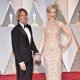 Nicole Kidman y su marido Keith Urban en la alfombra roja de los Premios Oscar 2017