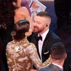 Justin Timberlake con Jessica Biel durante su actuación en la entrega de los Premios Oscar 2017