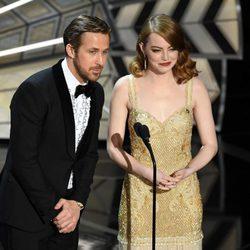 Emma Stone y Ryan Gosling en la gala de los Premios Oscar 2017