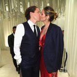 Heidi Klum muy cariñosa con su novio Vito Schnabel en la fiesta de la Fundación Elton John por los Premios Oscar 2017