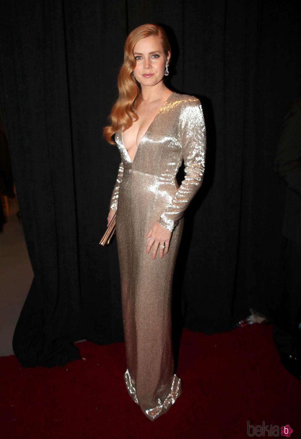 Amy Adams en el backstage de los Premios Oscar 2017