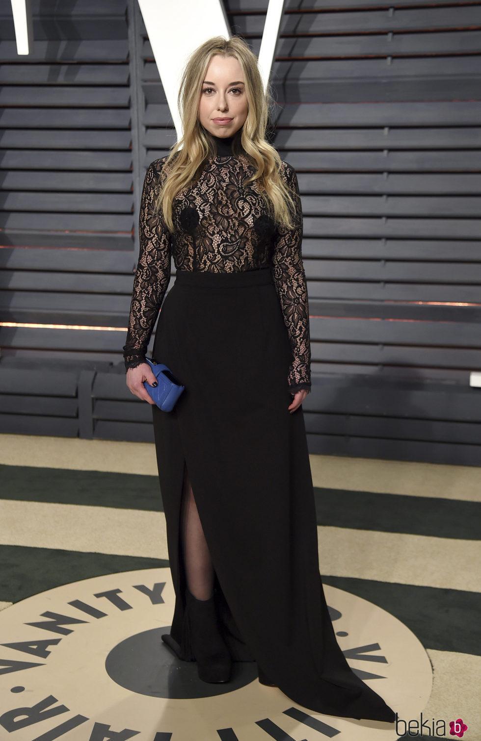 Skyler Shaye en la fiesta de Vanity Fair de los Premios Oscar 2017