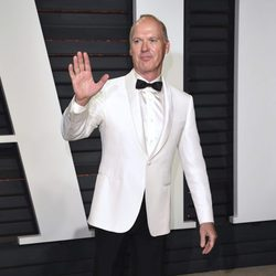 Michael Keaton en la fiesta de Vanity Fair de los Premios Oscar 2017