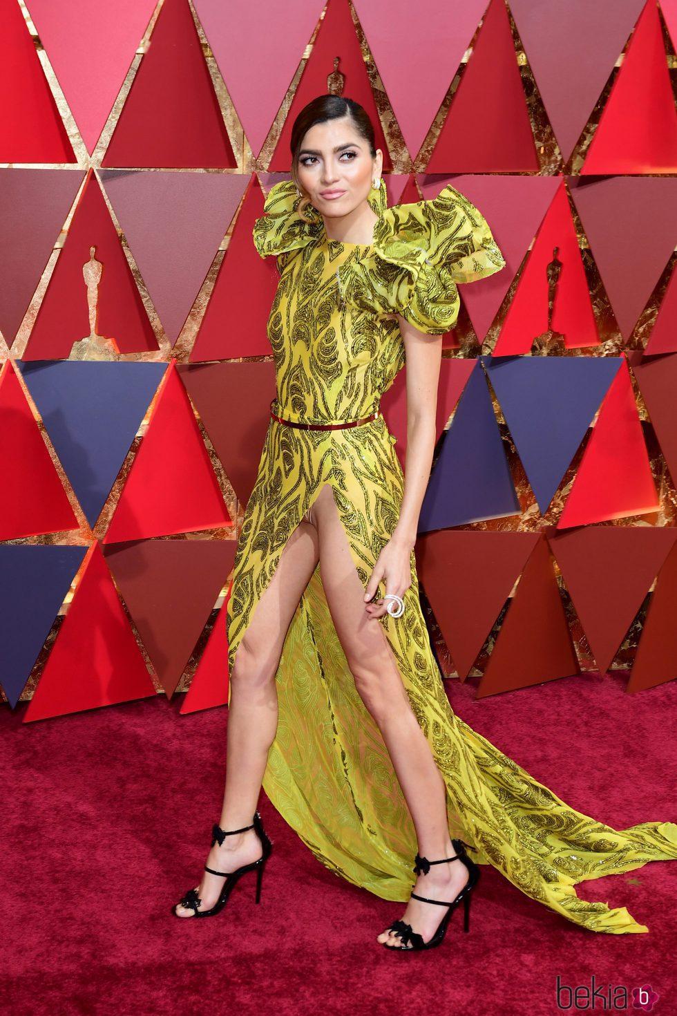 Blanca Blanco enseñando de más en la alfombra roja de los Oscar 2017