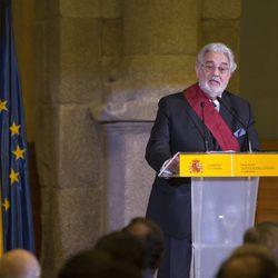 Plácido Domingo recogiendo la Gran Cruz de la Orden Civil de Alfonso X el Sabio