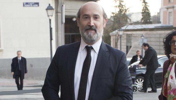 Javier Cámara llegando a la entrega de la Gran Cruz de la Orden Civil de Alfonso X el Sabio