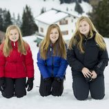 Ariane, Alexia y Amalia de Holanda de vacaciones en la nieve en Austria
