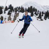 Guillermo Alejandro de Holanda esquiando