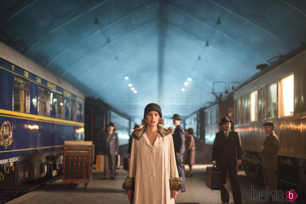 Maggie Civantos en una imagen de 'Las chicas del cable'