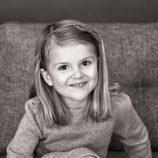 Estela de Suecia en su 5 cumpleaños