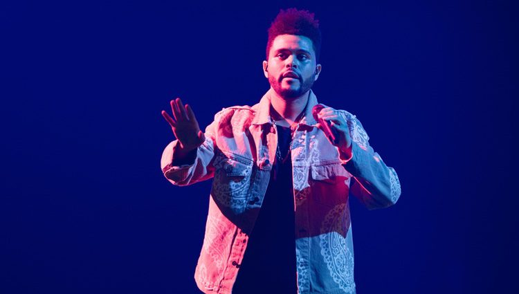 The Weeknd actuando en la Semana de la Moda de París