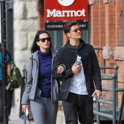 Katy Perry y Orlando Bloom paseando por la calle
