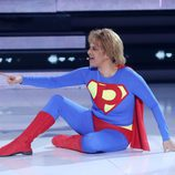 Yolanda Ramos imitando a Plastic Bertrand en la decimotercera gala de 'Tu cara me suena 5'