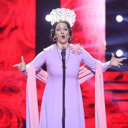 Yolanda Ramos imitando a Estrellita Castro en la decimocuarta gala de 'Tu cara me suena 5'